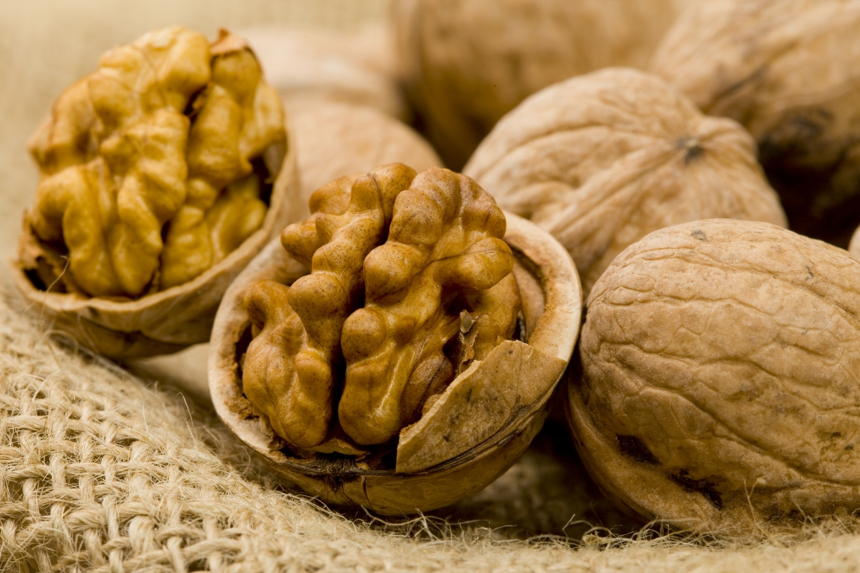 Real World Health Nuts First Evidence That Walnuts May